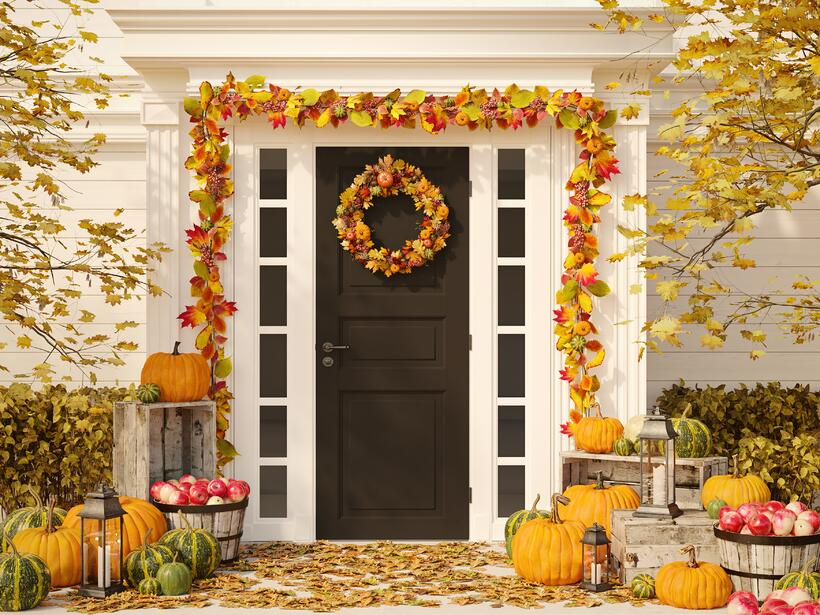fesdtive porch_Thanksgiving Décor Checklist.jpeg