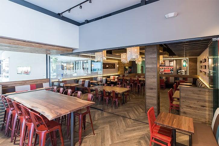 Luna Grill Restaurant | Cover Glass USA | Frameless Sliding Glass Doors