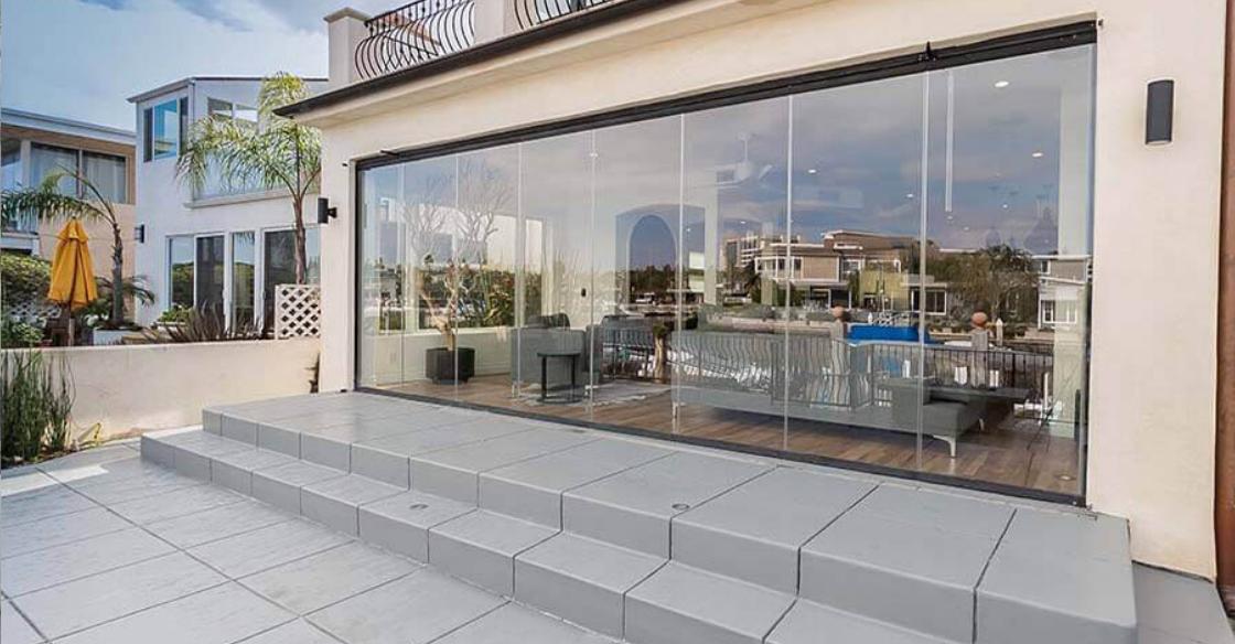 Close up frameless glass doors for uninterrupted views