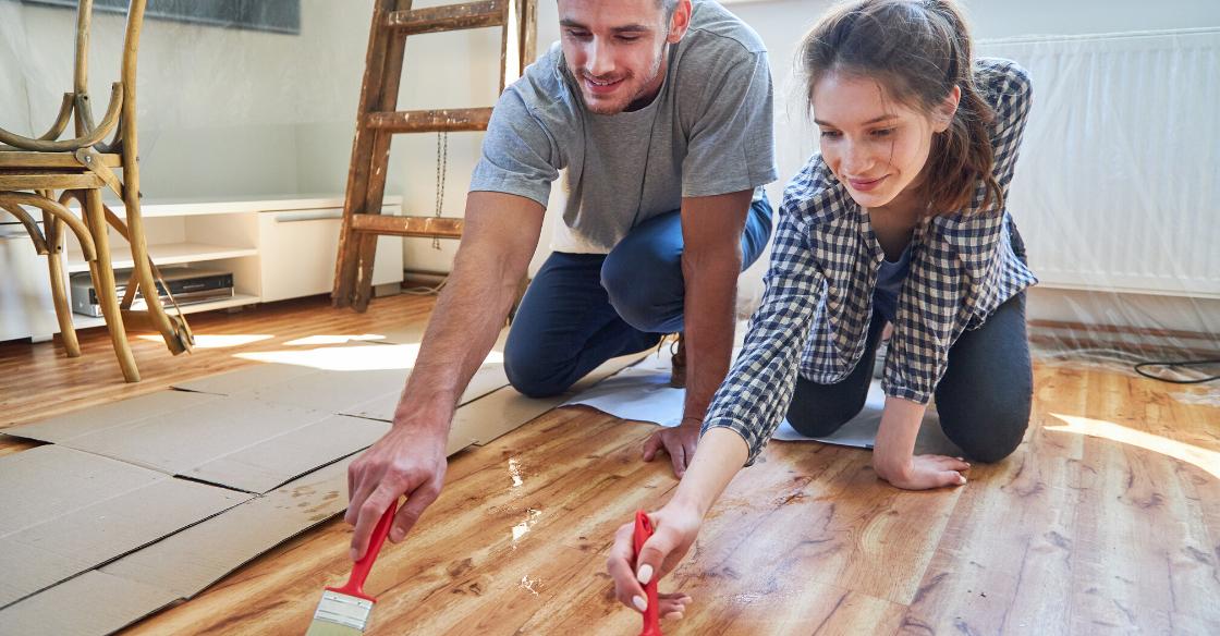 Couple redoing their hardwood floors